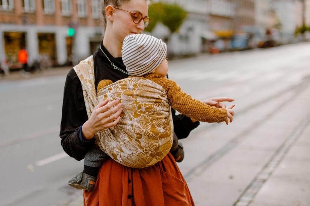 Babywearing on Nørrebrogade.